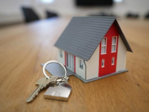 Anunțurile de vânzare trebuie să conțină informații privind performanța energetică a clădirilor. Lipsa acestora sancționabilă cu amenda