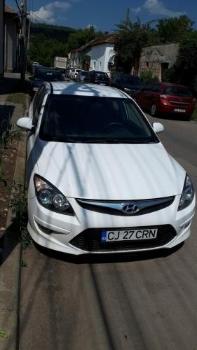 Hyundai M1 - alb